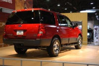 2003 Ford Expedition image.