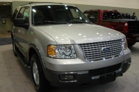 2004 Ford Expedition image.