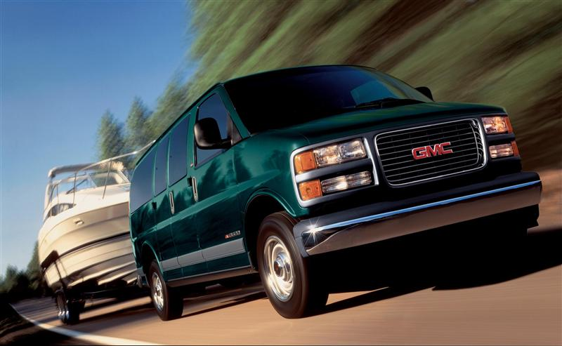 2002 GMC Savana pictures and wallpaper