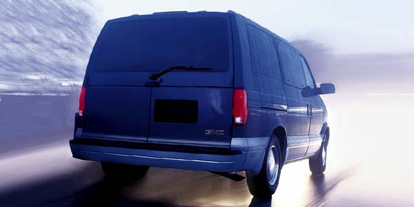 2004 GMC Safari Image