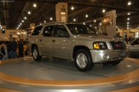 2004 GMC Envoy image.