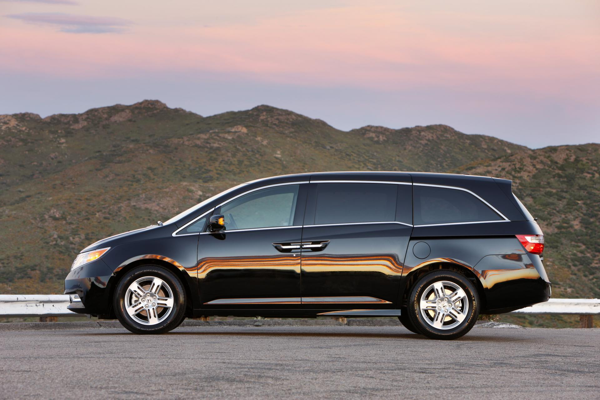 2012 honda odyssey technical specifications and data for Honda odyssey minivan