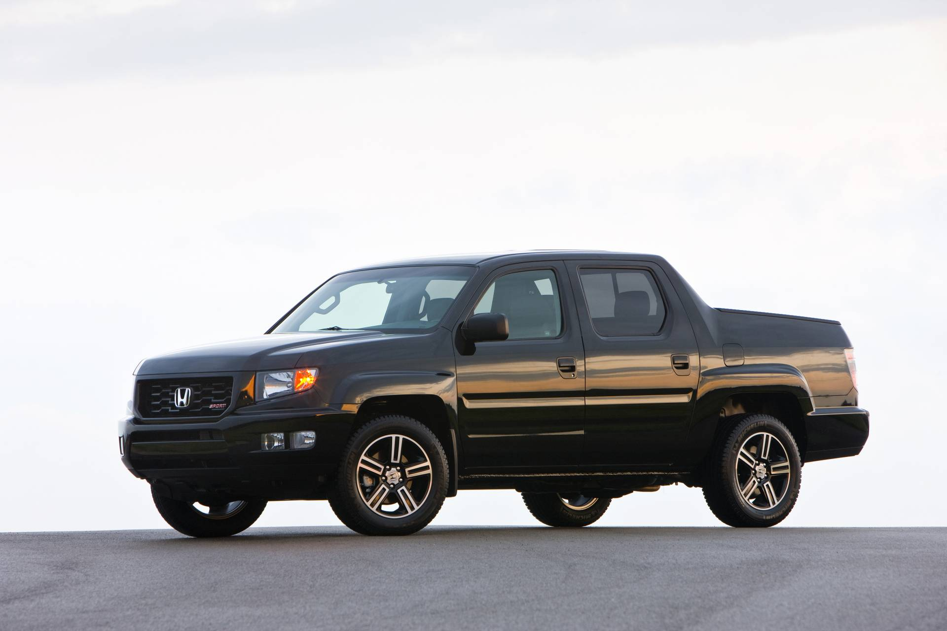 2013 honda ridgeline technical specifications and data. Black Bedroom Furniture Sets. Home Design Ideas