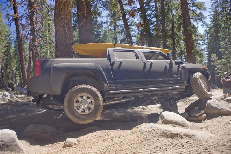 2009 Hummer H3t Alpha Image