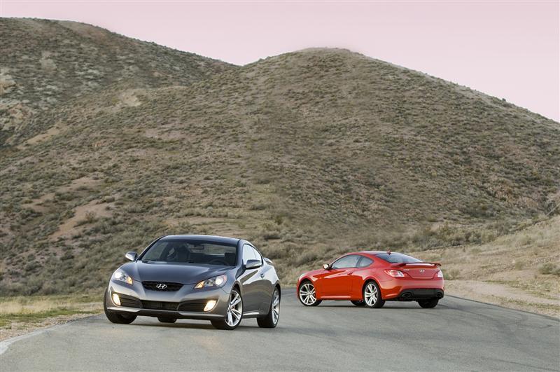 2010 Hyundai Genesis Coupe Image