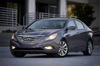 Hyundai Sonata image.