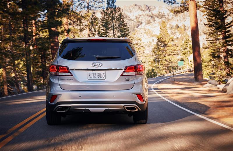 2017 Hyundai Santa Fe Image