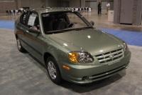 2004 Hyundai Accent image.