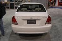 2004 Hyundai Elantra image.
