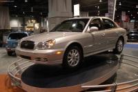 2004 Hyundai Sonata image.