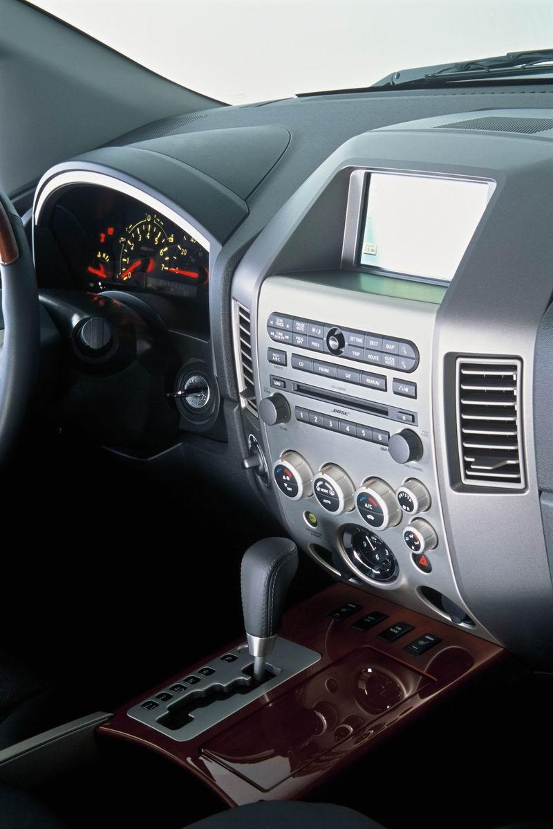 2004 Infiniti QX56 Image