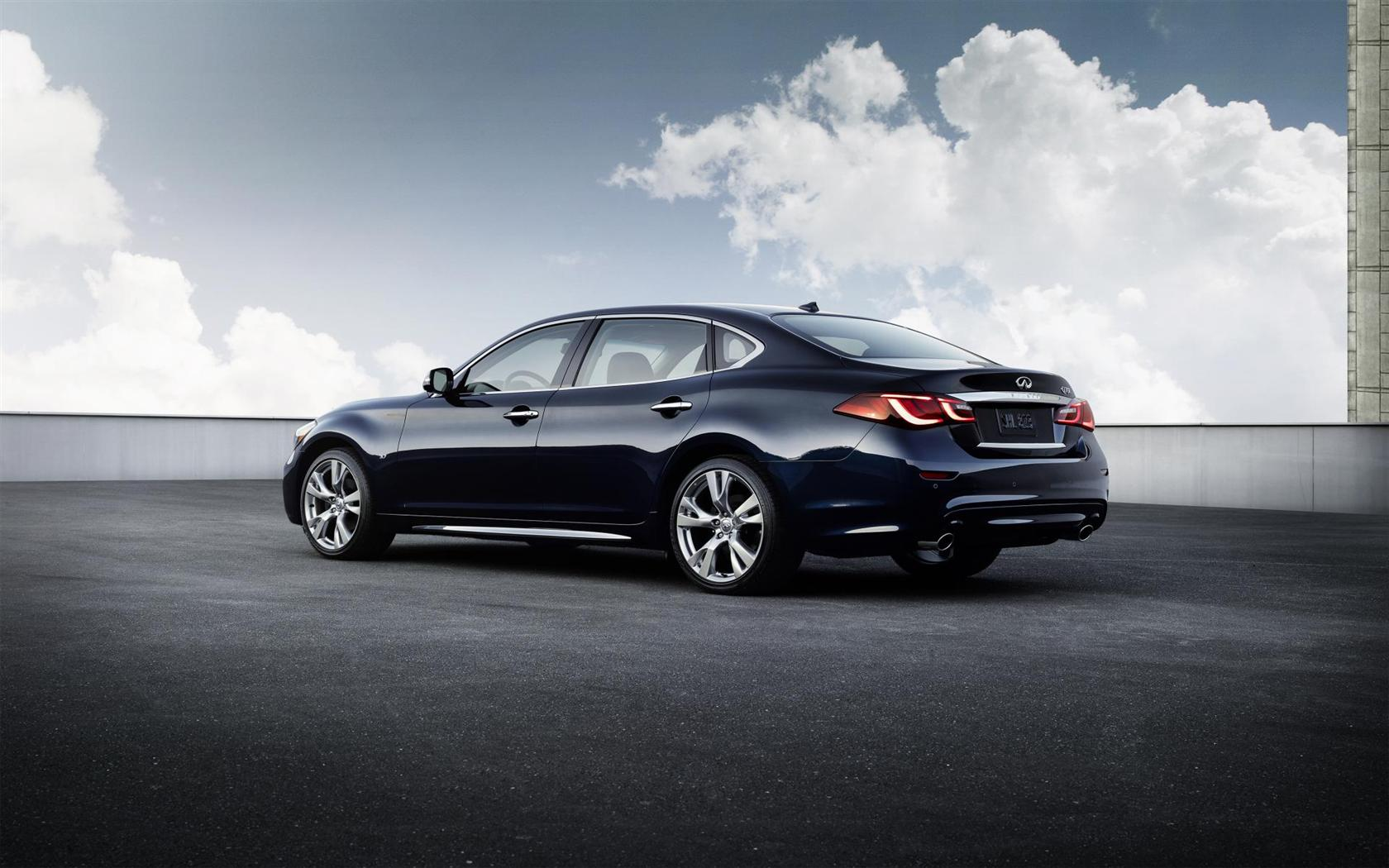 2015 Infiniti Q70 Images. Photo: 2015-Infiniti-Q70-Sedan-Photo-010