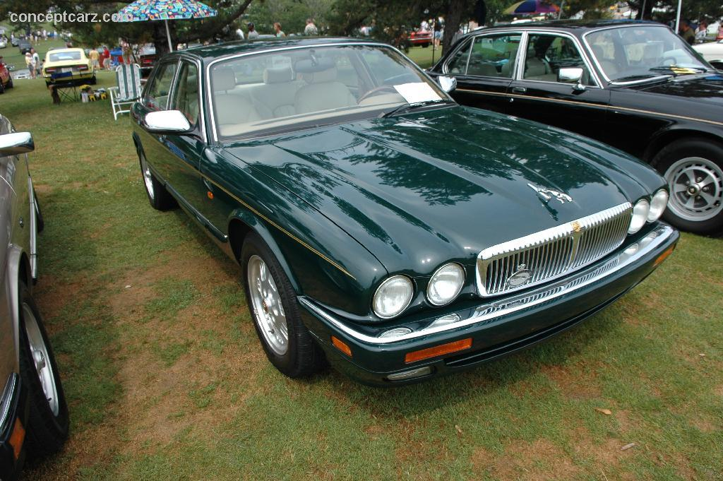 1995 jaguar xj sedan pictures history value research news. Black Bedroom Furniture Sets. Home Design Ideas