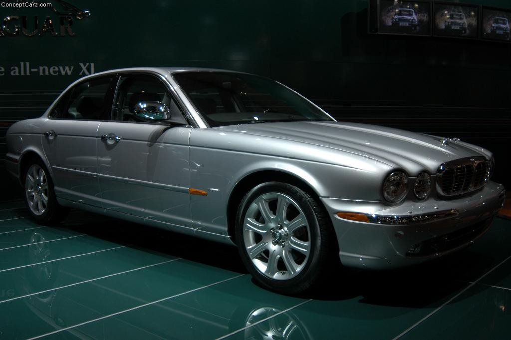 auction results and data for 2003 jaguar xj8