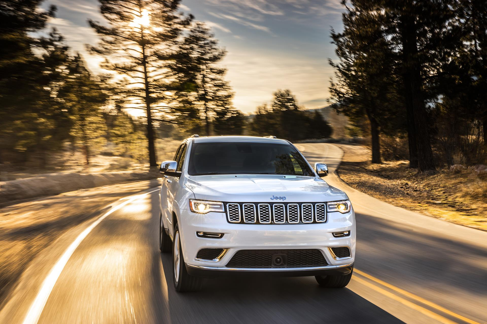 2017 Jeep Grand Cherokee Summit Technical Specifications