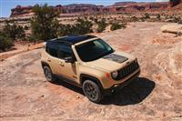 2017 Jeep Renegade Deserthawk pictures and wallpaper