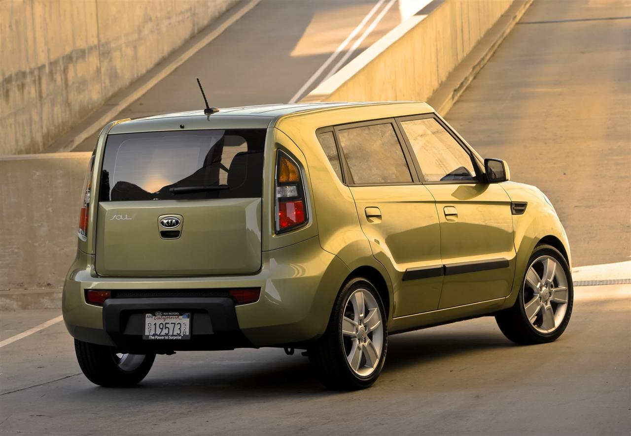 2010 kia soul desktop wallpaper and high resolution images 1280x886 2010 kia soul image 052. Black Bedroom Furniture Sets. Home Design Ideas