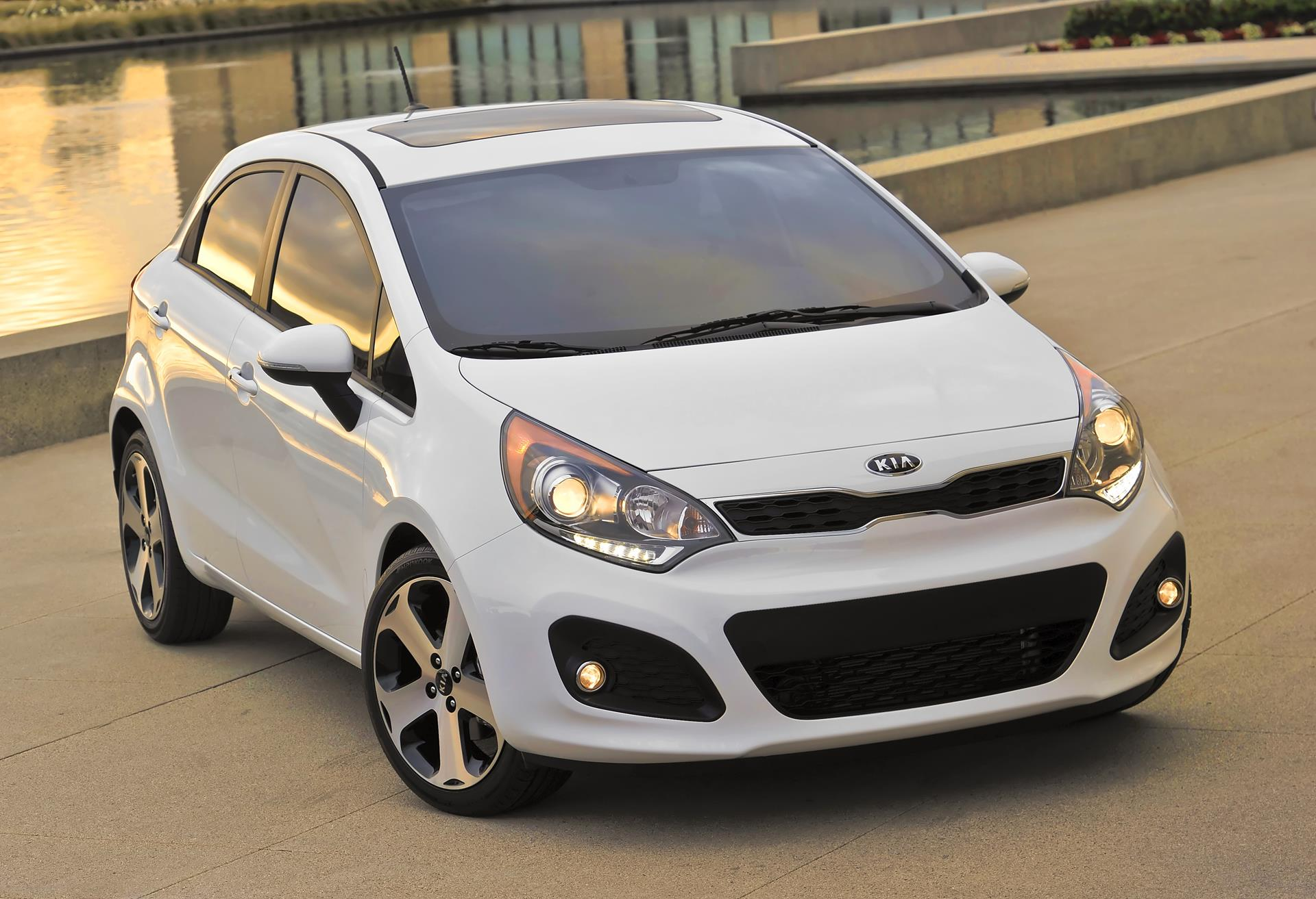 2015 kia rio 5 door. Black Bedroom Furniture Sets. Home Design Ideas