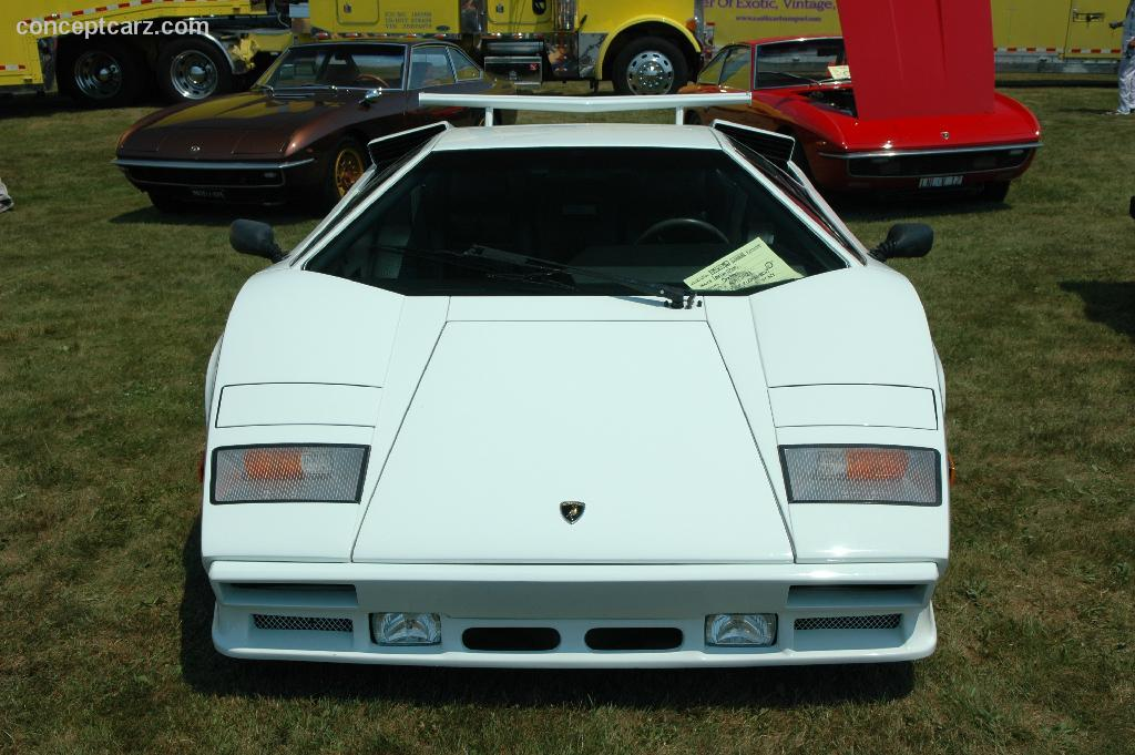 1988 lamborghini countach 5000 quattrovalvole. Black Bedroom Furniture Sets. Home Design Ideas