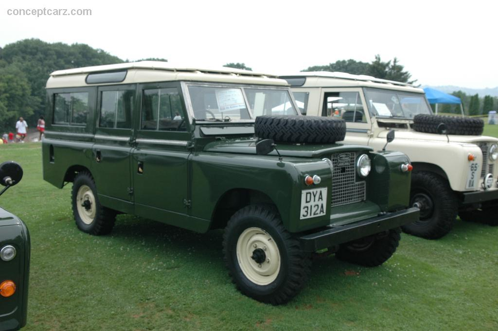1:18 microg Land Rover 109 series 2 with SoftTop RHD 1959