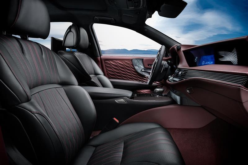2018 Lexus LS 500h Image