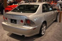 2005 Lexus IS image.