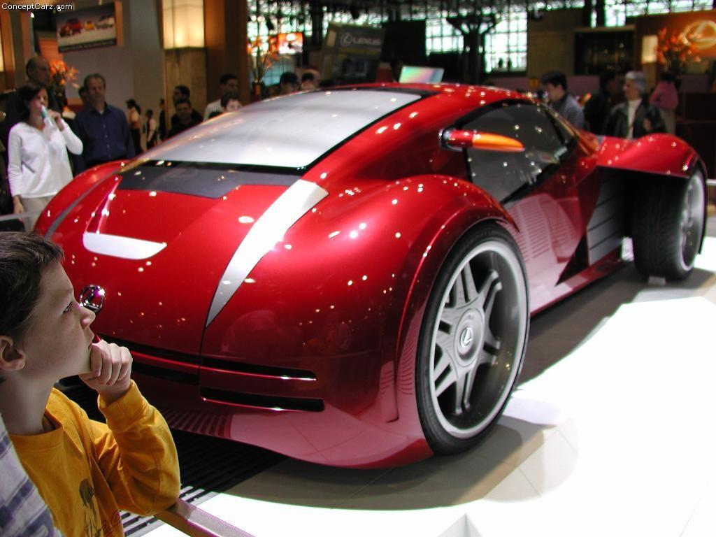 http://www.conceptcarz.com/images/Lexus/lexus_minority_report_nyc_k_03.jpg