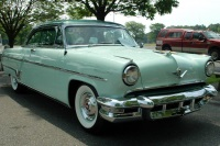 1954 Lincoln Capri image.