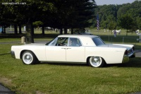 1961 Lincoln Continental image.