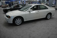 2005 Lincoln LS image.