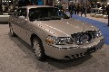 2004 Lincoln Town Car pictures and wallpaper