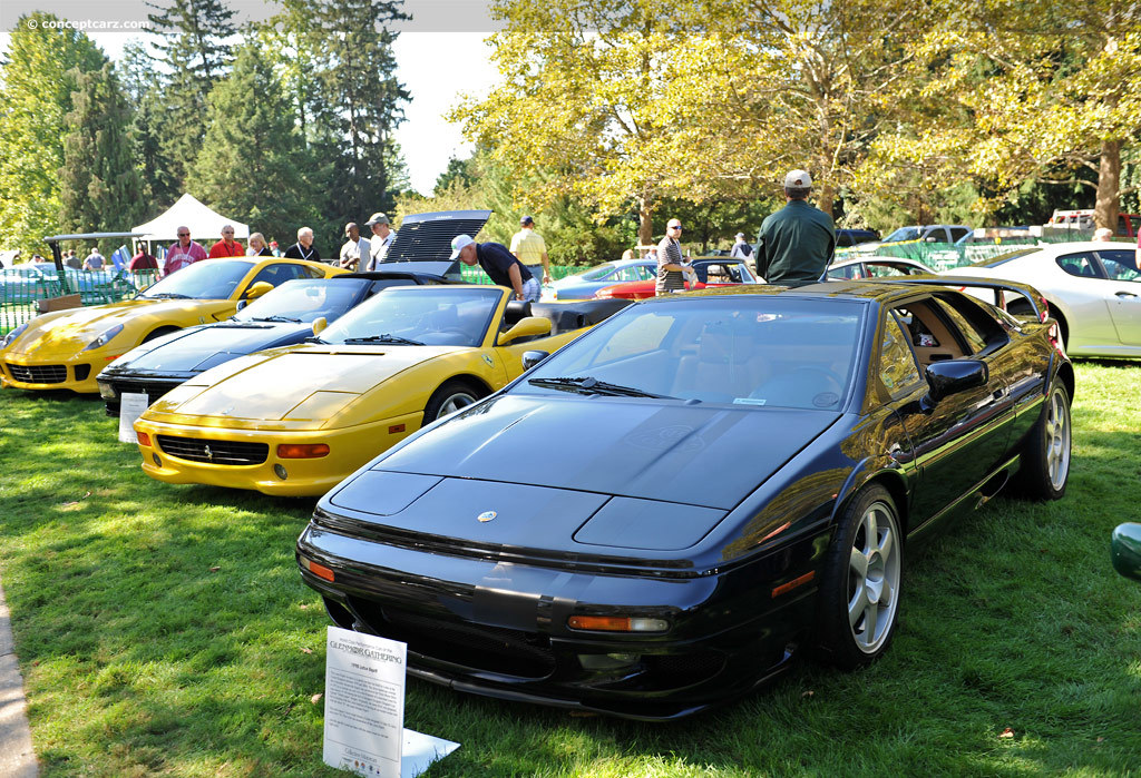 Coupe the lotus esprit es pree is a sports car that was built by lotus