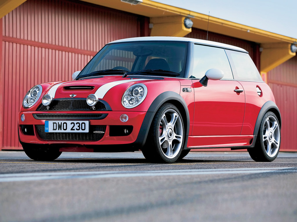 2005 mini cooper s john cooper works kit pictures history value research news. Black Bedroom Furniture Sets. Home Design Ideas
