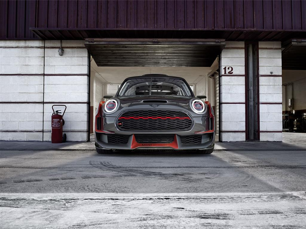 MINI John Cooper Works GP Concept pictures and wallpaper