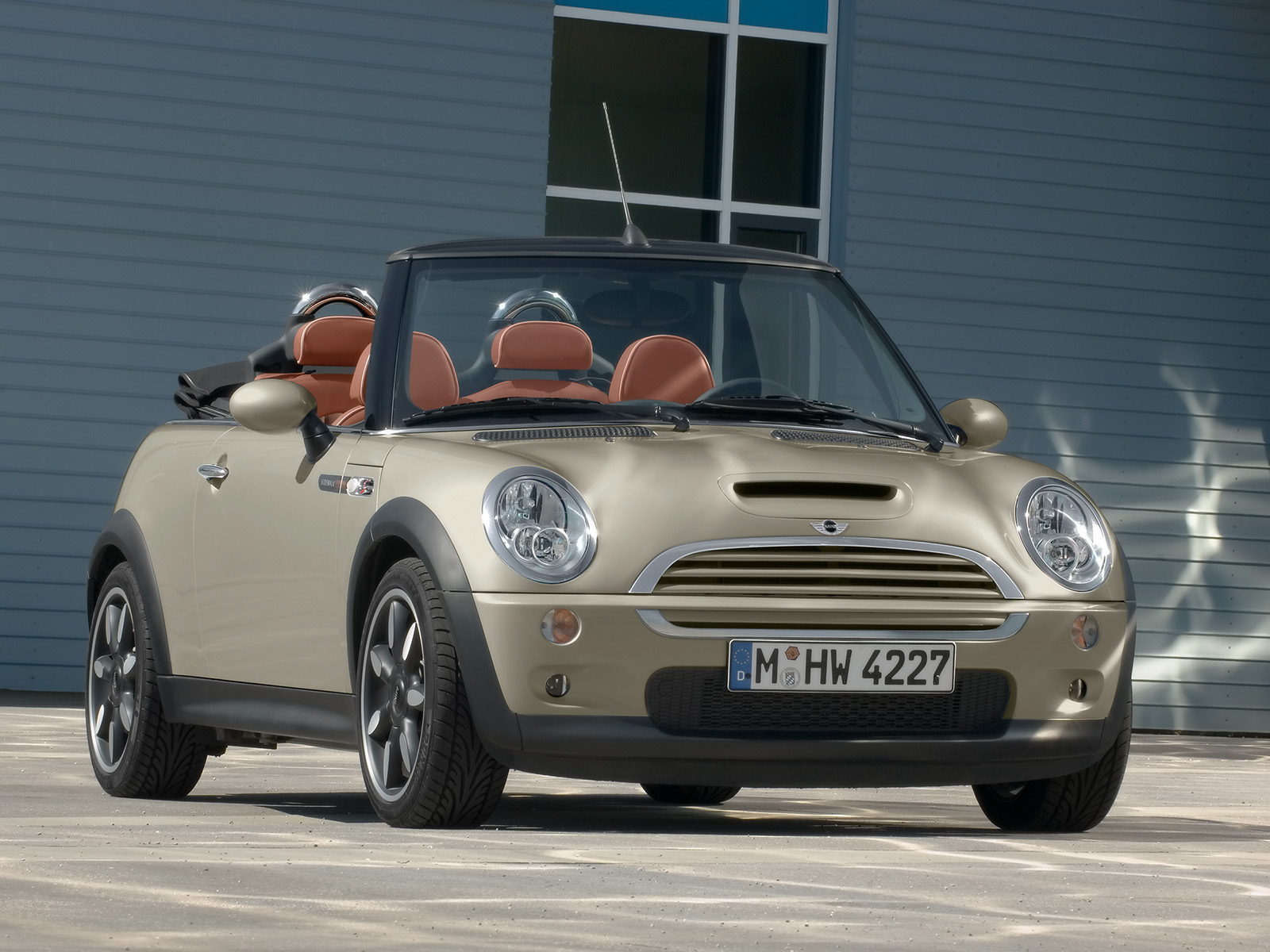 2007 mini cooper convertible sidewalk pictures history. Black Bedroom Furniture Sets. Home Design Ideas