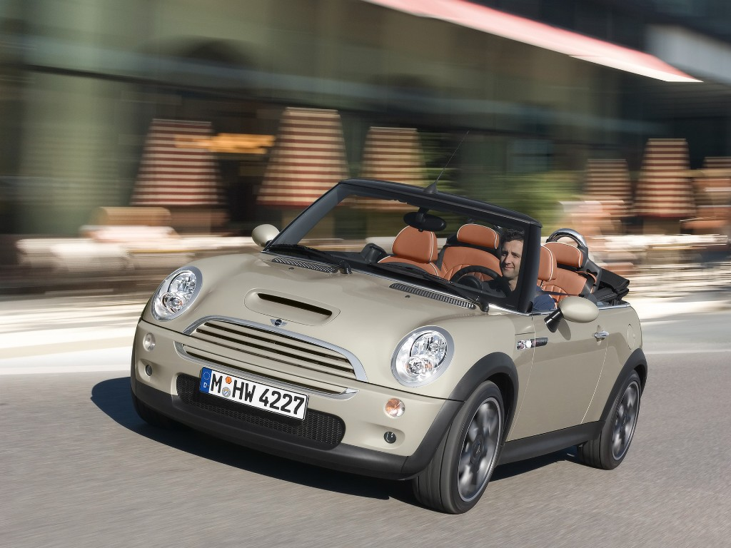 2007 mini cooper convertible sidewalk. Black Bedroom Furniture Sets. Home Design Ideas