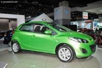 2011 Mazda 2 image.