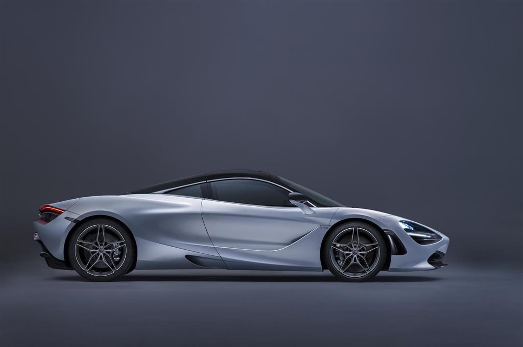 McLaren 720S pictures and wallpaper