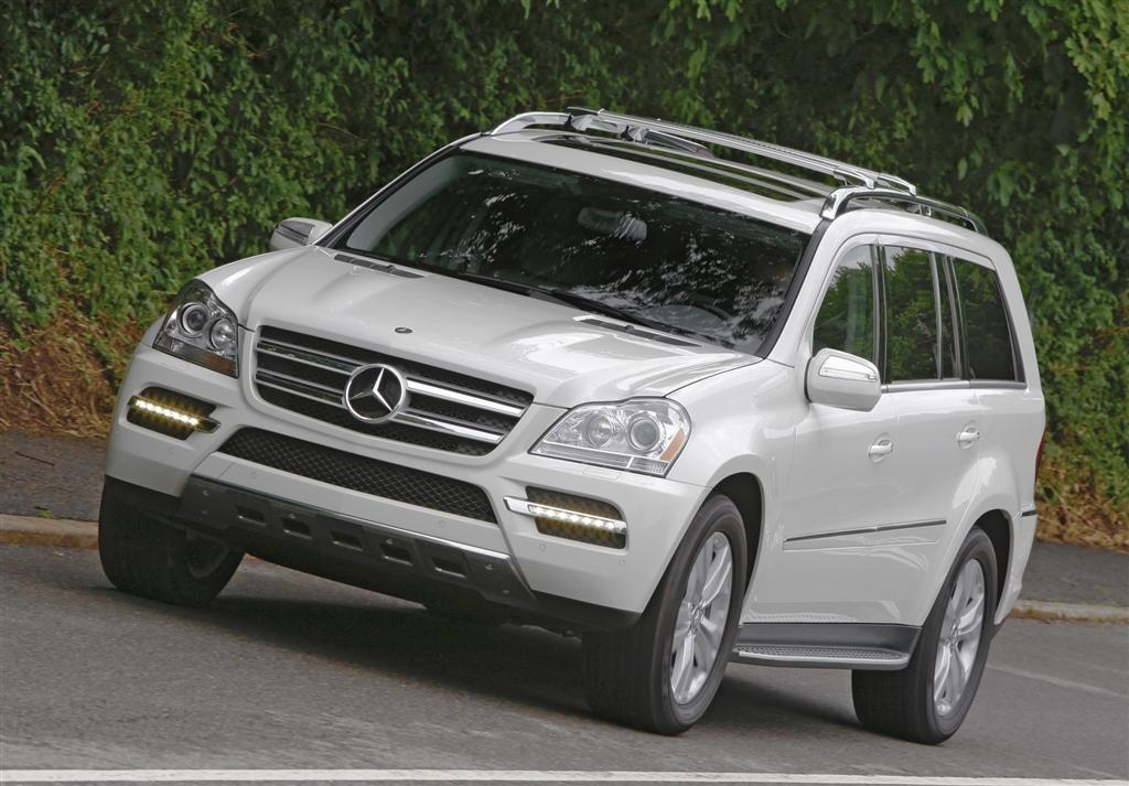 2010 mercedes benz gl class for Mercedes benz customer service usa