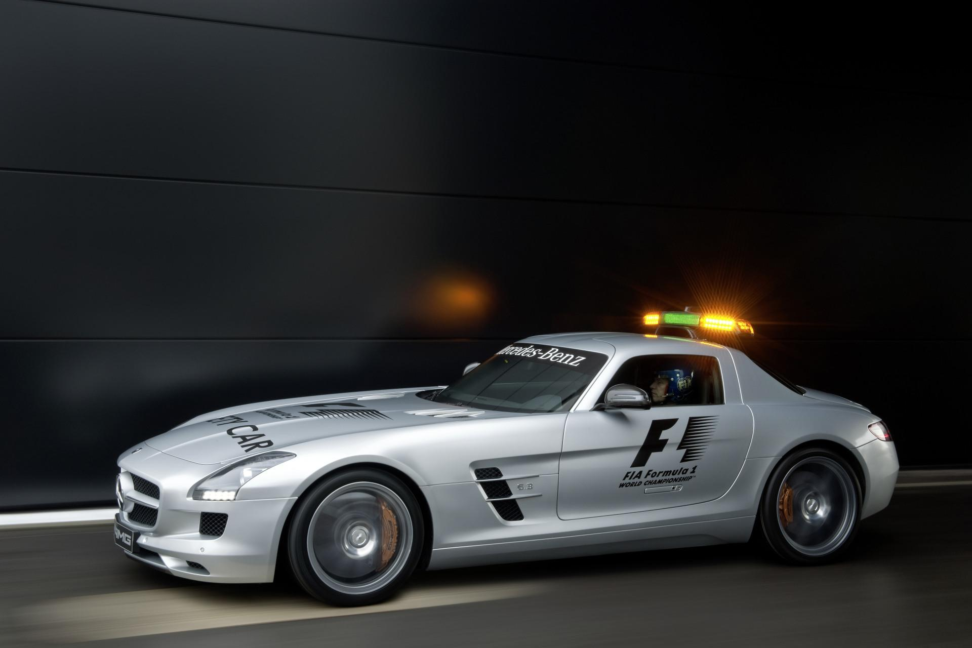 2010 mercedes benz sls amg f1 safety car for Mercedes benz f1