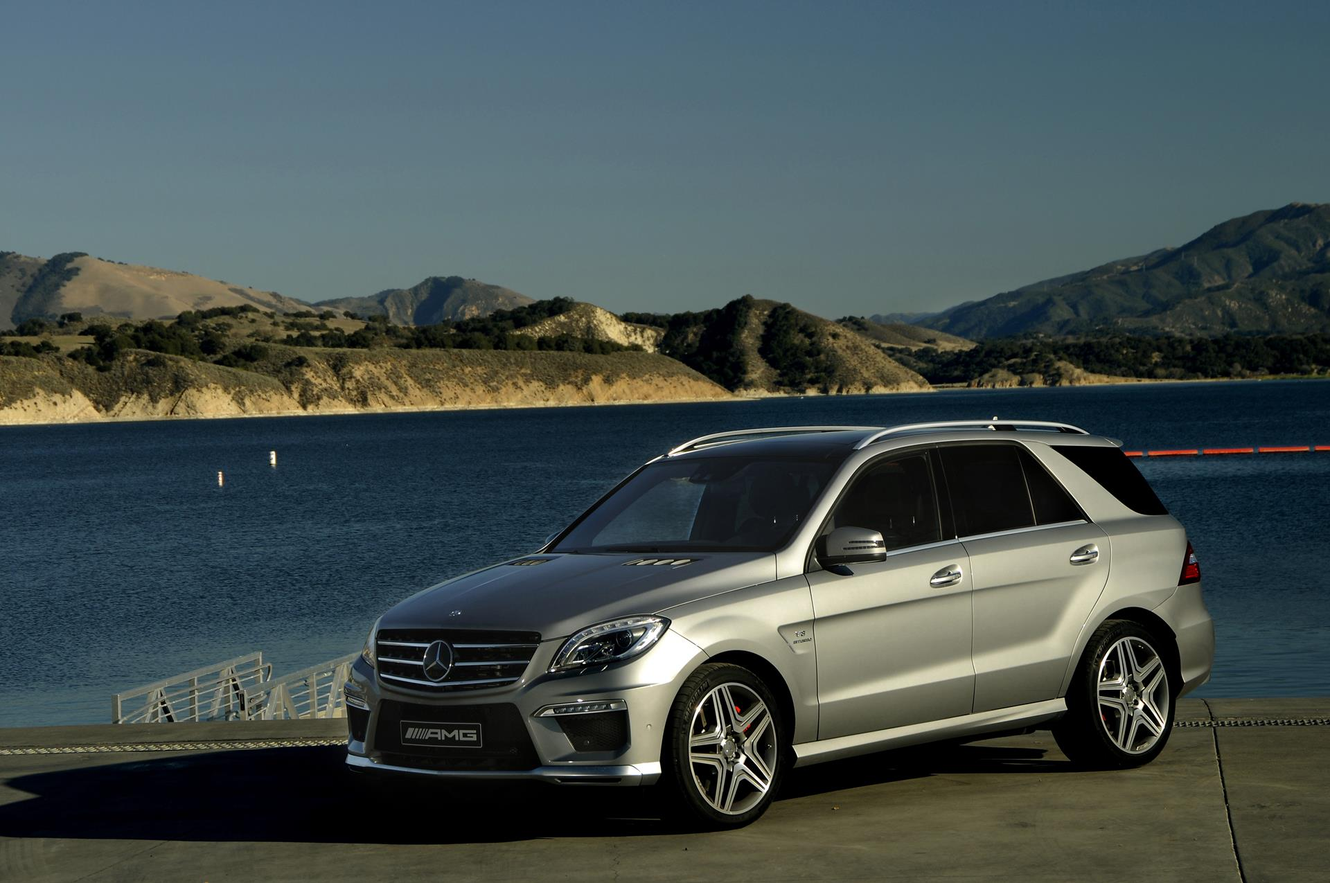 2015 mercedes benz m class technical specifications and for Mercedes benz suv m class