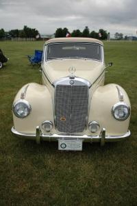 1952 Mercedes-Benz 220 image.
