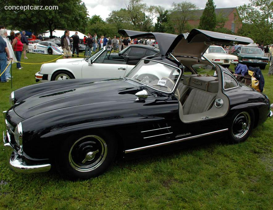1955 mercedes benz 300 sl gullwing at the greenwich for Mercedes benz gullwing 1955