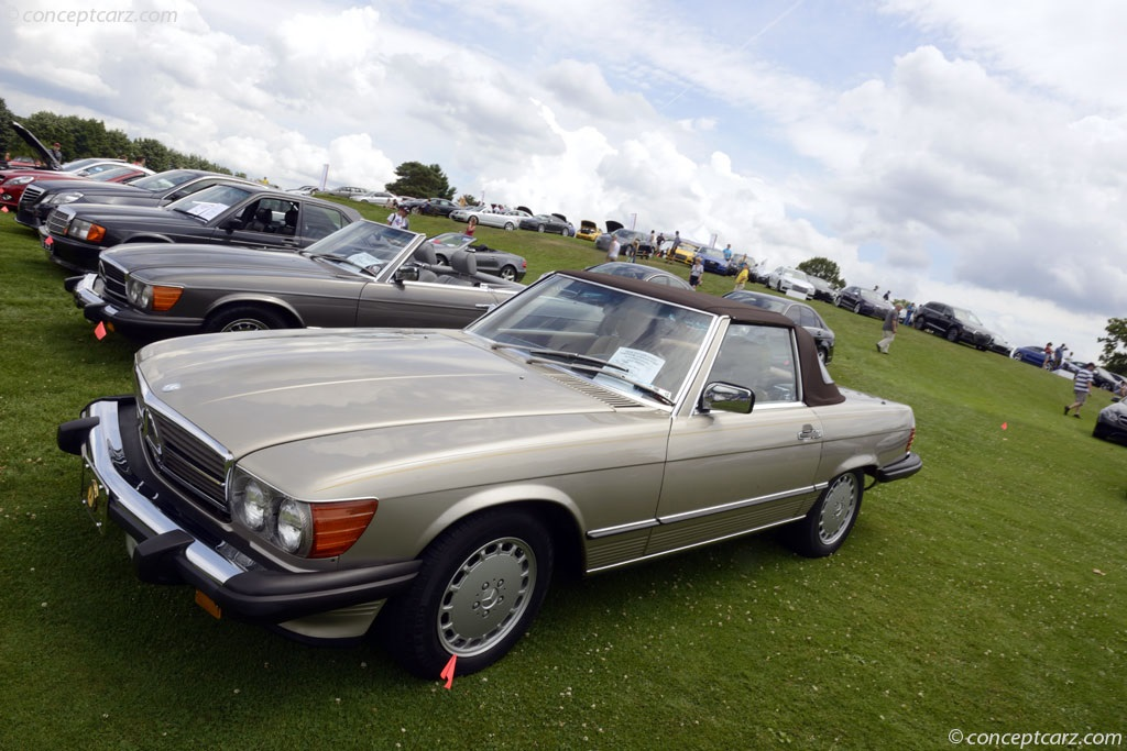 auction results and data for 1988 mercedes benz 560 sl. Black Bedroom Furniture Sets. Home Design Ideas