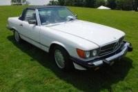 1988 Mercedes-Benz 560 SL image.