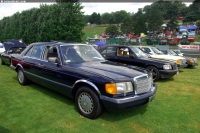 1989 Mercedes-Benz 560 Series image.