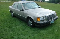1993 Mercedes-Benz 400SEL image.