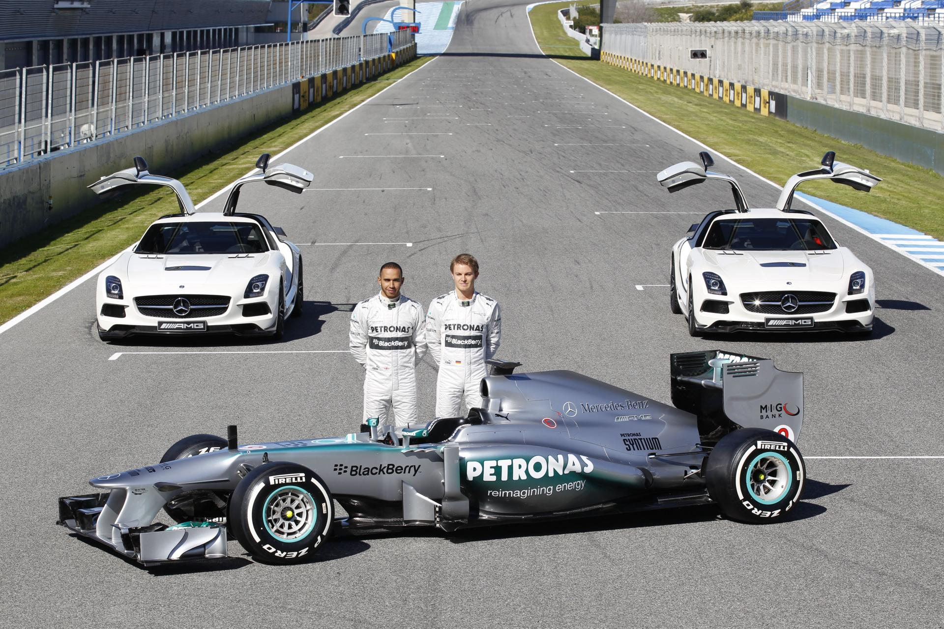 2013 mercedes benz w04 for Mercedes benz petronas