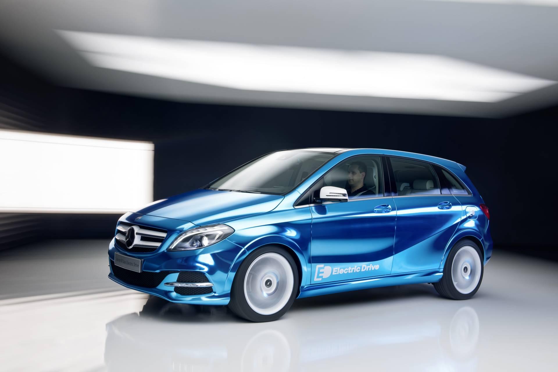 2012 mercedes benz b class electric drive concept pictures for Mercedes benz concept electric car