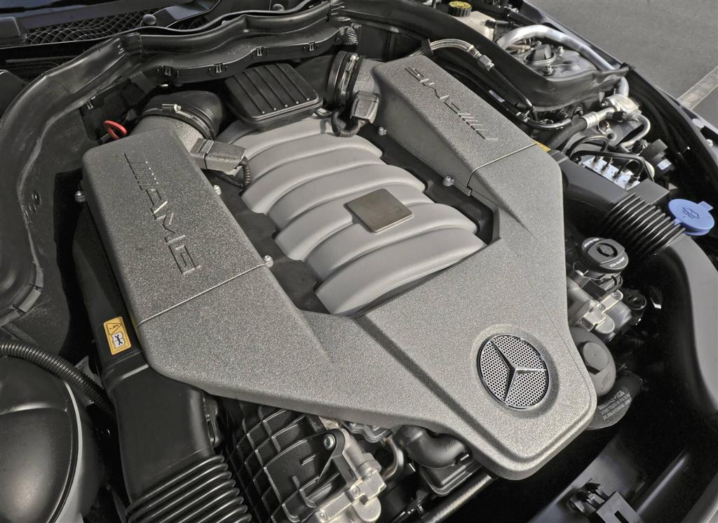 2013 mercedes benz c class for Mercedes benz c63 engine